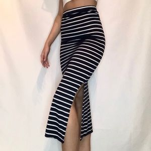 Midi skirt with side slits